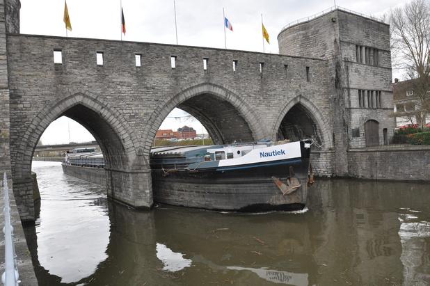 Les Tournaisiens disent au revoir à leur Pont des Trous