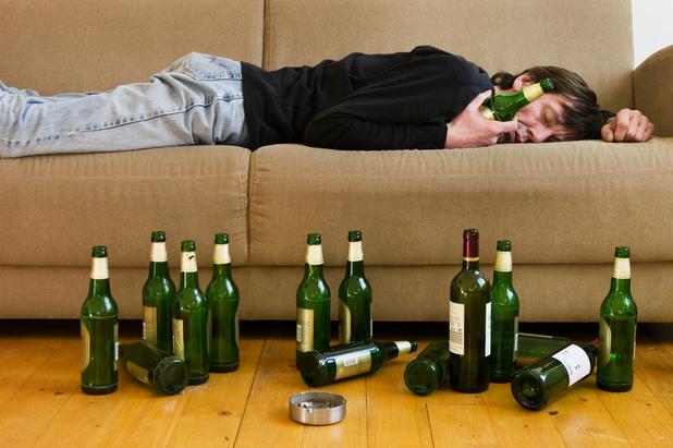 La kétamine, une nouvelle piste pour traiter l'alcoolisme