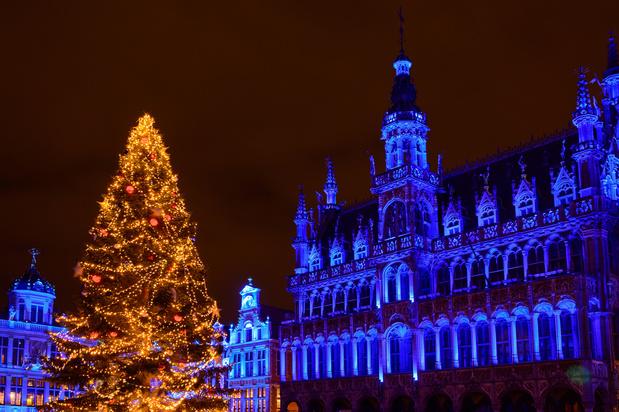 Heel veel lichtjes en de traditionele boom dompelen Brussel in kerstsfeer