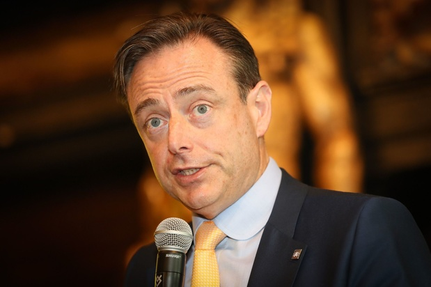 """Bart De Wever (N-VA): """"Un nouveau béton permettrait peut-être d'apporter une meilleure réponse"""" au défi climatique"""