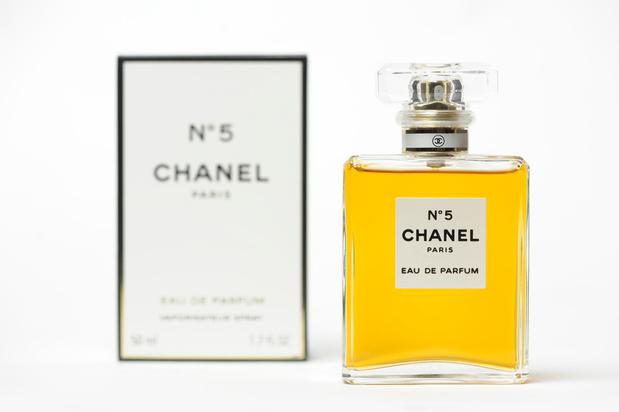 Chanel N°5 blaast dit jaar honderd kaarsjes uit