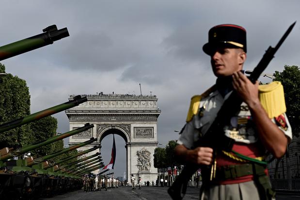 M. Michel présent au défilé du 14 juillet placé sous le thème de la défense européenne (vidéos)
