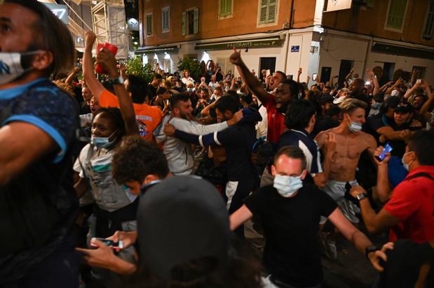 Dans les rues de Marseille, on a fêté la défaite du PSG