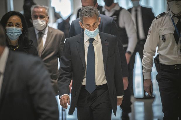 En France, Sarkozy désespère la droite