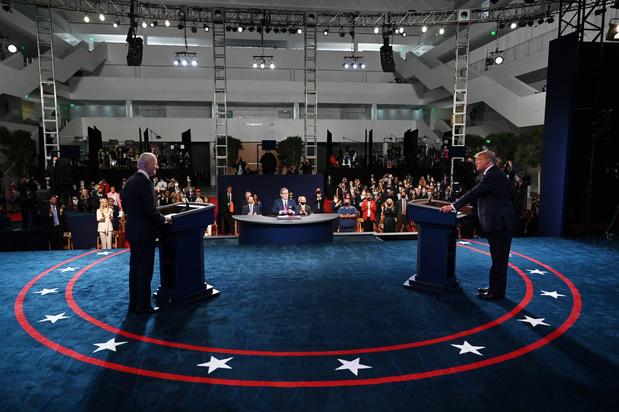 "Joe Biden à Donald Trump: ""tu vas la fermer, mec?"""