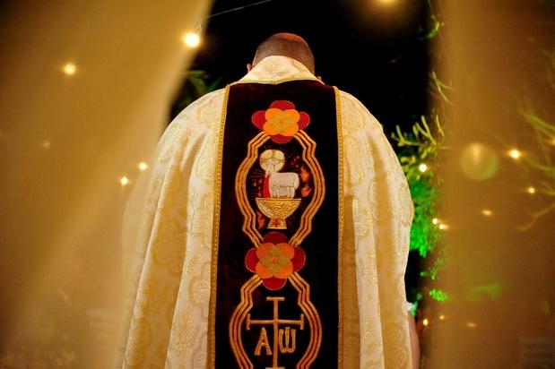 Kinderen van priesters vechten voor erkenning: 'De Kerk zet eindelijk haar deur op een kier voor ons'