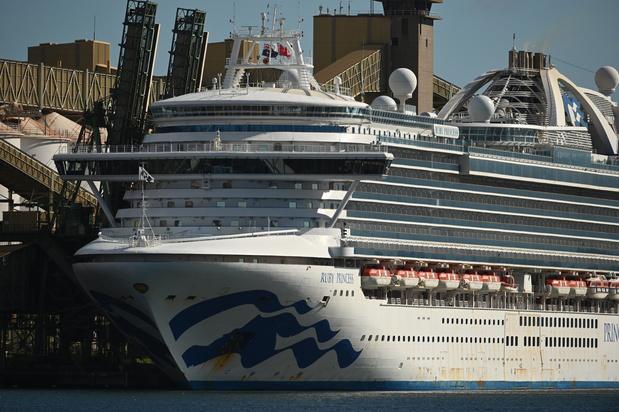 Le navire de croisière infecté par le coronavirus accoste près de Sydney