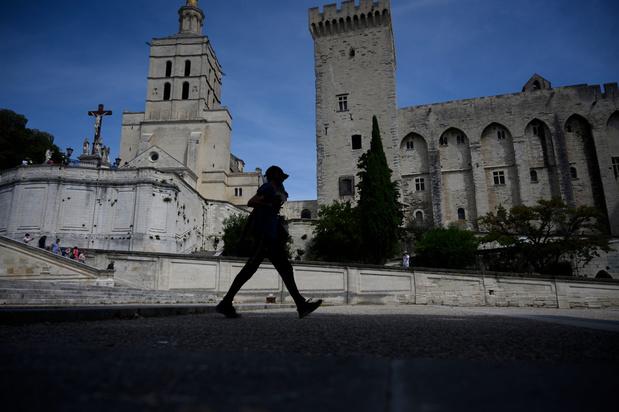 Privée de festival et de touristes étrangers, Avignon tente de se réinventer
