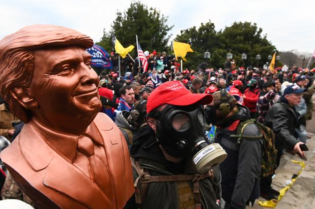 """Etats-Unis: """"Voilà où mènent le populisme et la banalisation de l'extrême droite"""" (réactions)"""