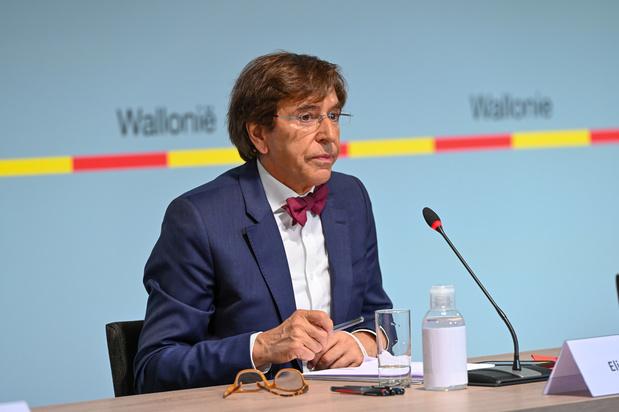 Belgique-Italie: Elio Di Rupo consultant d'un jour, liesse populaire et restrictions