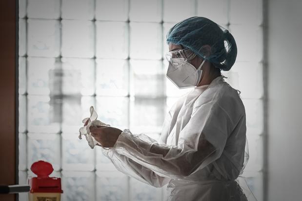 Covid: le nombre total de patients hospitalisés en légère hausse