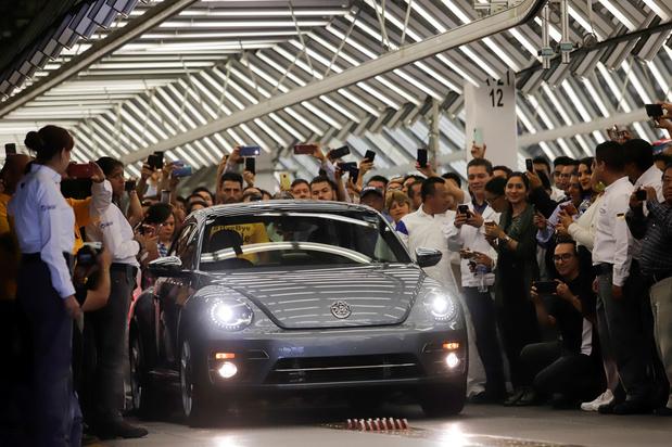 Clap de fin pour la Coccinelle VW: retour sur l'épopée d'une voiture légendaire