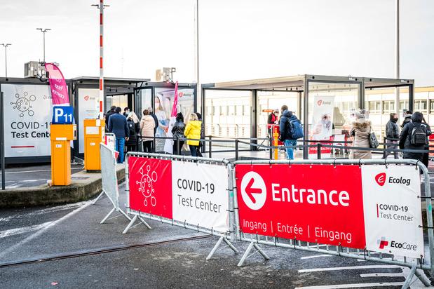 La quarantaine de voyageurs revenant de zone rouge vérifiée par 40 inspecteurs à Bruxelles