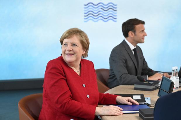 Le couple Merkel/Macron se retrouve à Berlin pour parler Europe