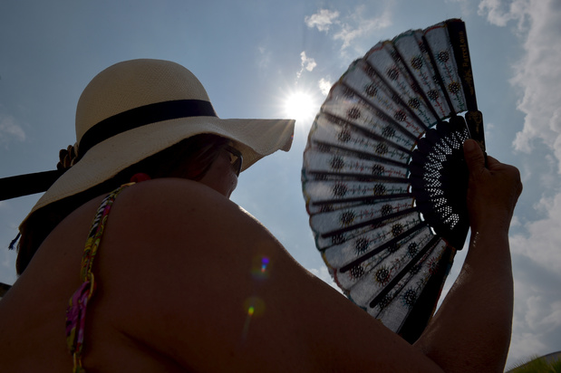 Vague de chaleur: l'IRM émet une alerte rouge dès samedi dans la plupart des provinces