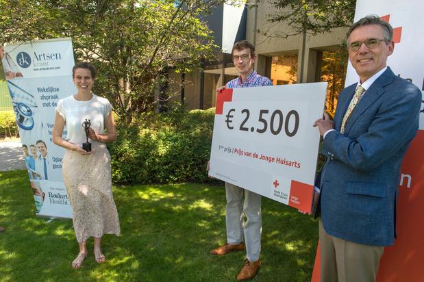 Ine Van den Wyngaert wint Prijs Jonge Huisarts powered by Artsenkrant
