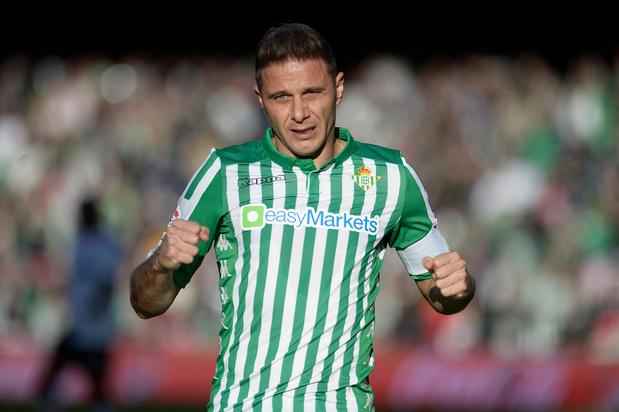 A 38 ans, Joaquin dans l'histoire du football espagnol (vidéos)