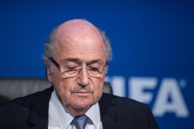 Blatter suggère de retirer l'organisation de la Coupe du monde au Qatar
