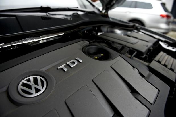 Dieselgate: procès en vue pour trois dirigeants de Volkswagen, première amende pour Daimler
