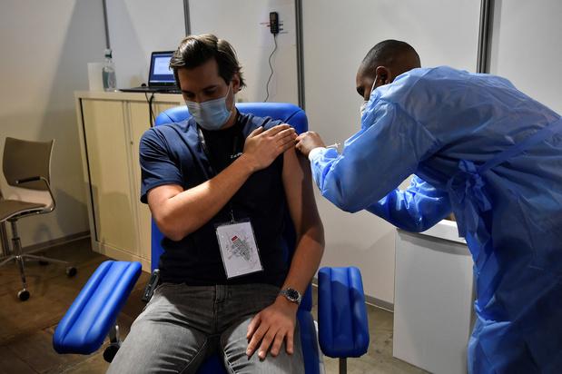 Covid: une couverture vaccinale de 70% est-elle suffisante ?