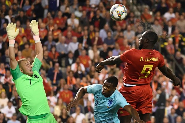 Geen Courtois en maar vijf Belgen in Nederlands 'Droomelftal van de Lage Landen'