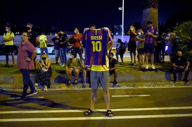 """""""Qu'est-ce qu'on fait maintenant ?"""": les Barcelonais assommés par l'annonce de Messi"""