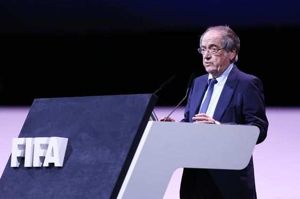 Franse bondsvoorzitter weigert wedstrijdstakingen door homofobe gezangen