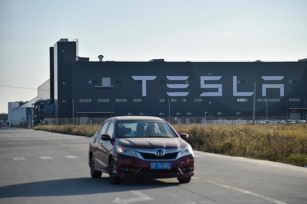 Tesla vaut plus que Toyota en Bourse alors que Tesla produit 20 fois moins de voitures