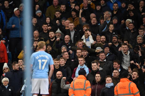 Un homme soupçonné de geste raciste lors du derby de Manchester arrêté
