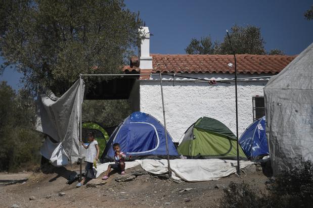 """La Grèce assure qu'un nouveau camp pour les migrants à Lesbos sera prêt """"dans cinq jours"""""""