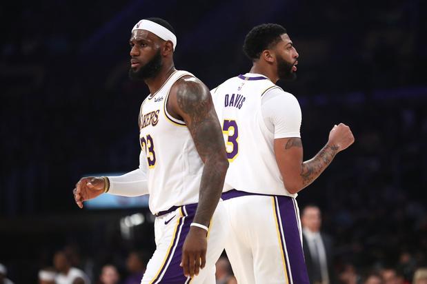 James en Davis leiden LA Lakers naar vijfde overwinning van het seizoen