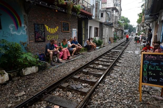 La rue du train à Hanoi, célèbre attraction touristique, fermée pour des raisons de sécurité