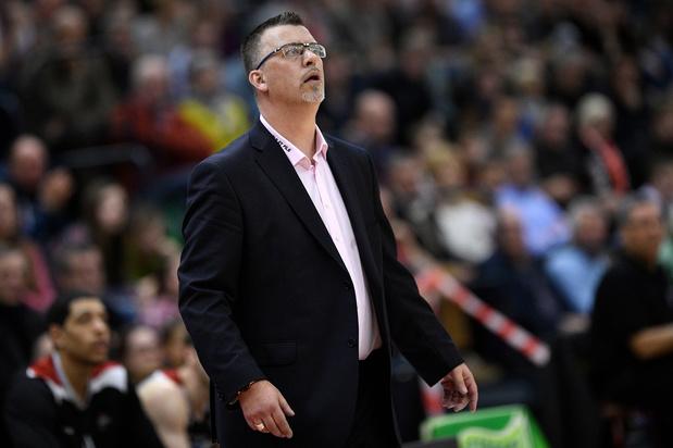 Charleroi Spirou-coach Angilis stopt tijdelijk om zieke zoon bij te staan