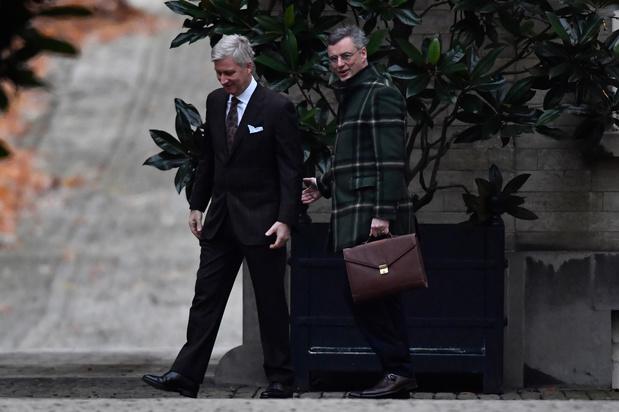 Koning Filip begint aan consultaties, CD&V-voorzitter Coens als eerste op gesprek
