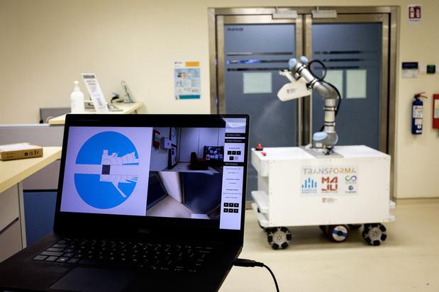 Un robot désinfectant testé à Singapour contre le coronavirus