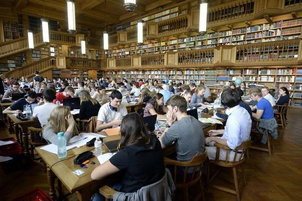 Studenten studeren liever op papier