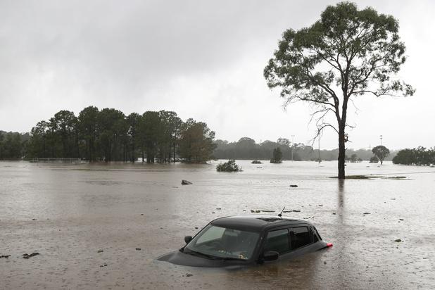 Duizenden mensen geëvacueerd door hevige regens in Australië
