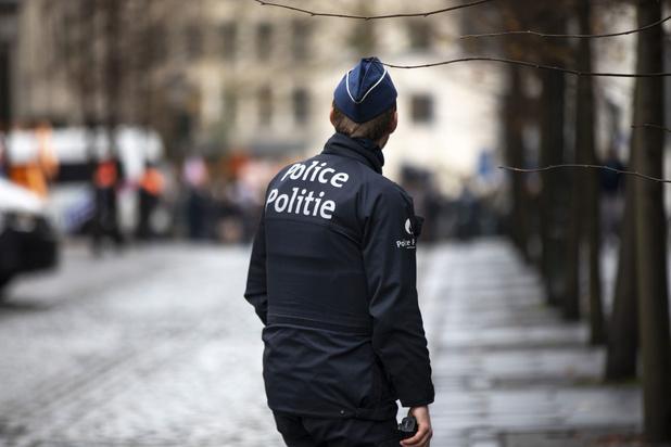 Politievakbond VSOA bezorgd over toenemende agressie tegen agenten: 'Wij houden ons hart vast'