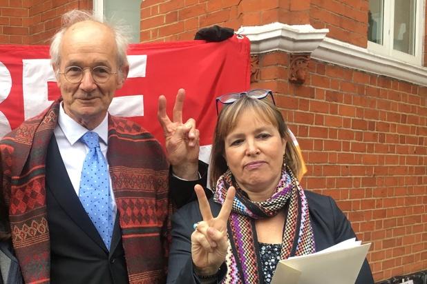 Le père d'Assange demande à Canberra de le rapatrier en Australie
