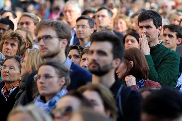 Notre-Dame: un émoi collectif sous l'oeil de trois experts
