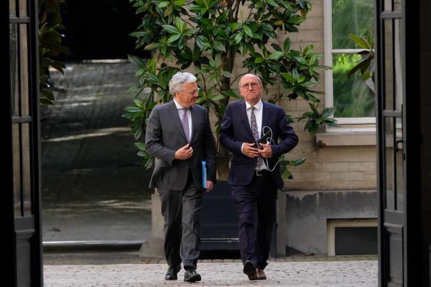 """Reynders et Vande Lanotte nommés """"informateurs"""": quel est leur rôle ?"""