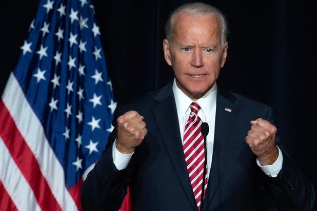 """Biden mise gros sur la Caroline du Sud avant le """"Super Tuesday"""""""