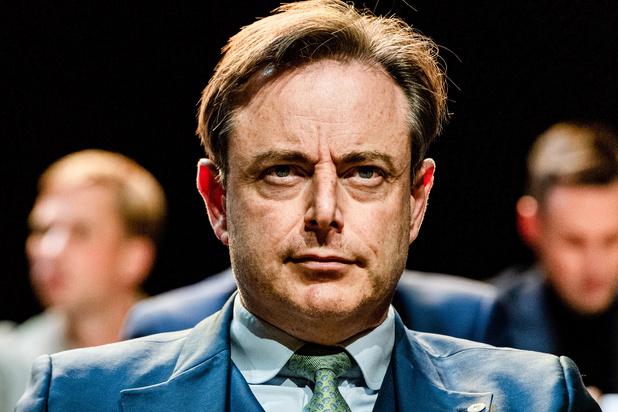 De Wever roept op tot Vlaams front, PS niet onder de indruk