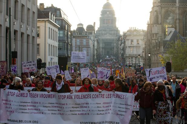 Tienduizend mensen betogen in Brussel tegen geweld tegen vrouwen