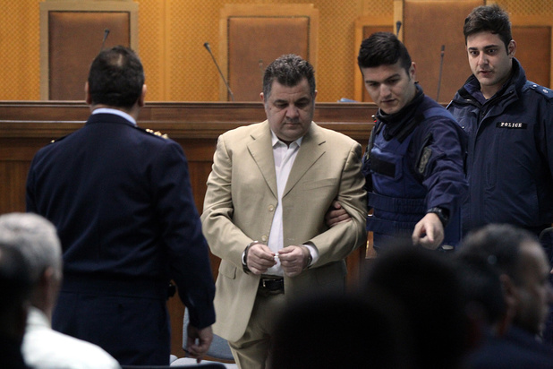 """Grèce: le chef du parti néonazi grec Aube dorée coupable de """"direction d'organisation criminelle"""""""