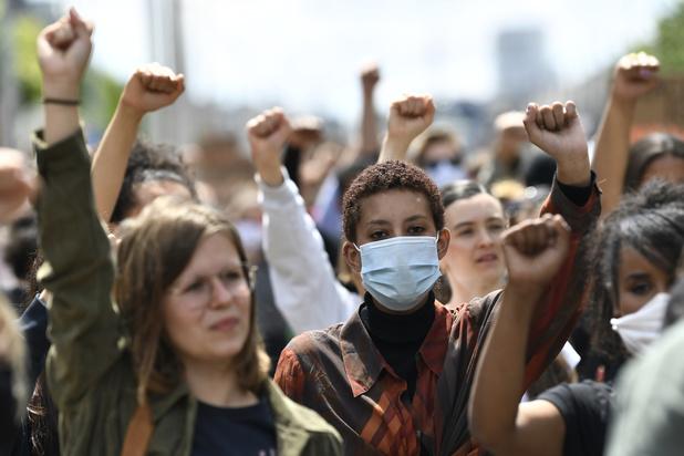 10.000 deelnemers aan Belgische protestacties tegen racisme, honderden betogers opgepakt in Antwerpen en Brussel