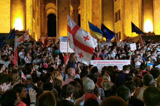 Tientallen gewonden in Georgië na poging tot bestorming parlementsgebouw