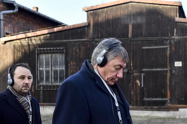 Jambon bezoekt Auschwitz: 'Woorden heb ik hier niet voor'