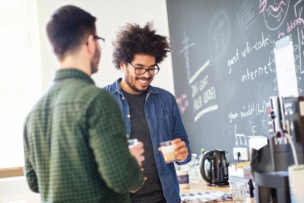 Koffie zonder klagen: geef je brein een dosis positiviteit met deze 10 tips