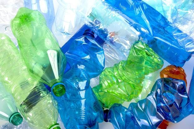 Économie circulaire: l'enzyme miracle de Carbios pour recycler les bouteilles PET